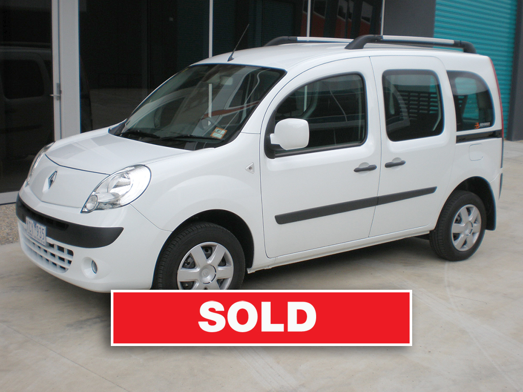 Renault Kangoo 2011 with sold banner